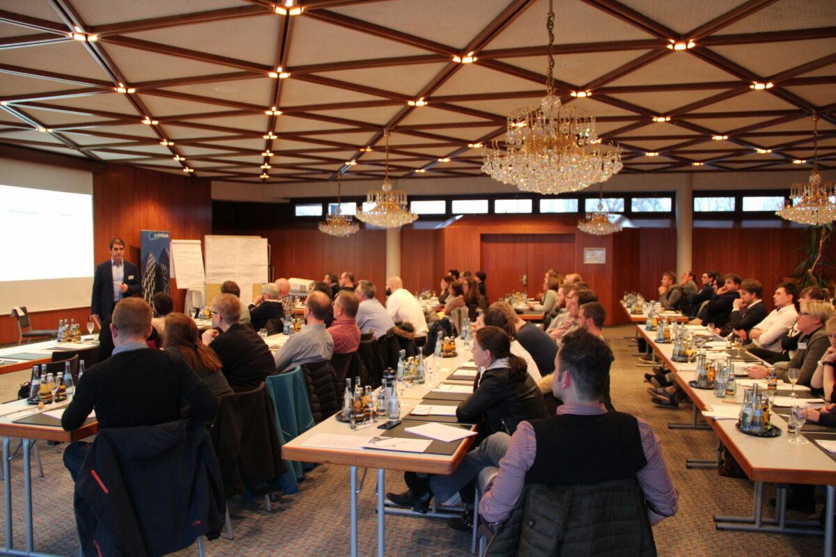 Begeisterte Teilnehmer in Armin Leinens Unternehmer Seminar